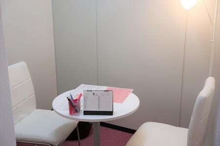 恋肌(こいはだ)梅田茶屋町店カウンセリングルーム