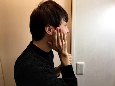 ヒゲ脱毛後に肌トラブルを引き起こすリスクを軽減するためには、毎日こまめにスキンケアを行う必要があります